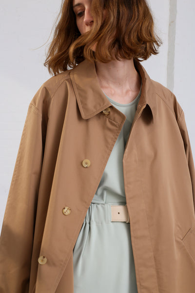 Nehera Comm Trench Cotton Blend in Camel on model view collar detail