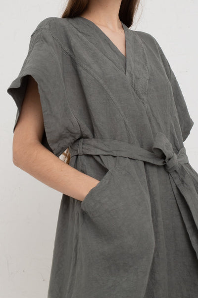 Hallelujah Acolyte Robe (Manches Courtes) in Khaki cropped pocket view