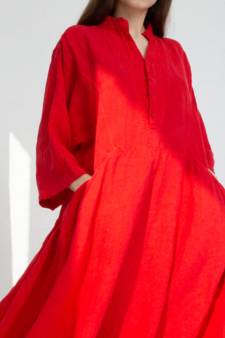 Hallelujah Acolyte Robe with Pockets  in Red cropped pocket detail view