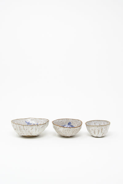 Michelle Blade Pinch Pot in Speckled White & Blue group view