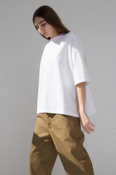 Sofie D'Hoore Temper Tee - Fine Cotton Fleece in Optical White on model side view