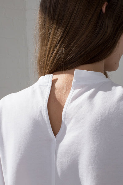 Sofie D'Hoore Temper Tee - Fine Cotton Fleece in Optical White on model back neck view