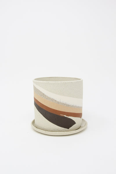 Ola Pot with Dish in Dark Neutral