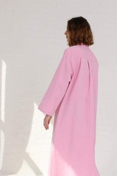 Cristaseya Seersucker Cotton Maxi Shirt Dress in Light Pink on model view side