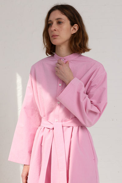 Cristaseya Seersucker Cotton Maxi Shirt Dress in Light Pink on model view front detail