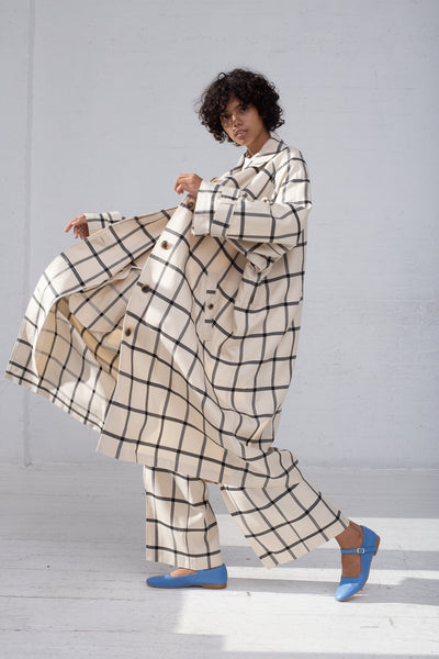 Rito Oversize Coat in White & Black full side view