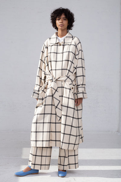 Rito Oversize Coat in White & Black full front view