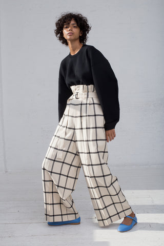 Rito Double Tuck Wide Pants with Belt in White & Black full front view
