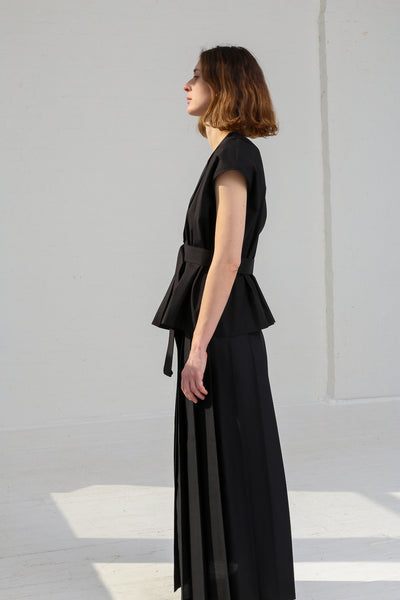 Nehera Simon Wool Blend Suiting in Black on model view side