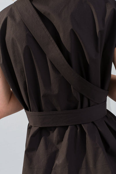 Nehera Bip Luxury Cotton Poplin in Black on model view back detail