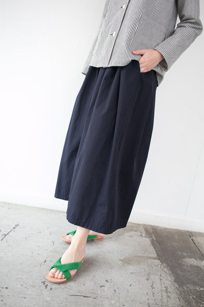 Cropped Pant in Navy