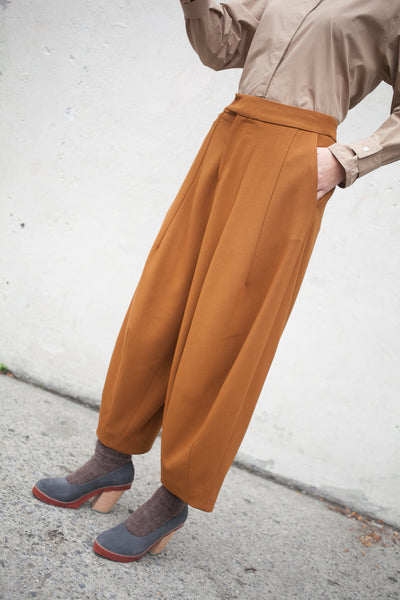 Studio Nicholson Balloon Pant in Tobacco | Oroboro Store | New York, NY