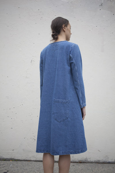Long Sleeve Basic Dress in Medium Wash