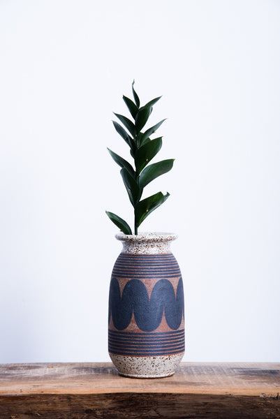 Kat & Roger Rounded Vase in Black Wave