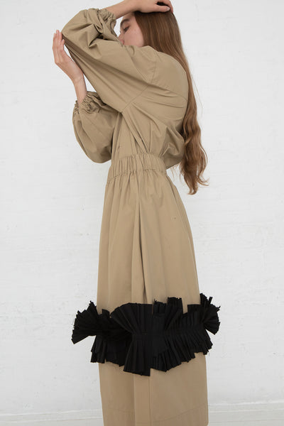 Nancy Stella Soto Pull-On Skirt with Pleats in Khaki, Side View Arms Above Head