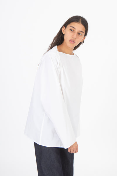 Sofie D'Hoore Betul Top in White, Side View Cropped at Knee