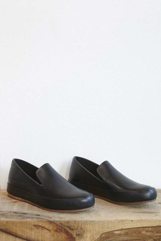FEIT Hand Sewn Slipper in Black | Oroboro Store | Brooklyn, New York