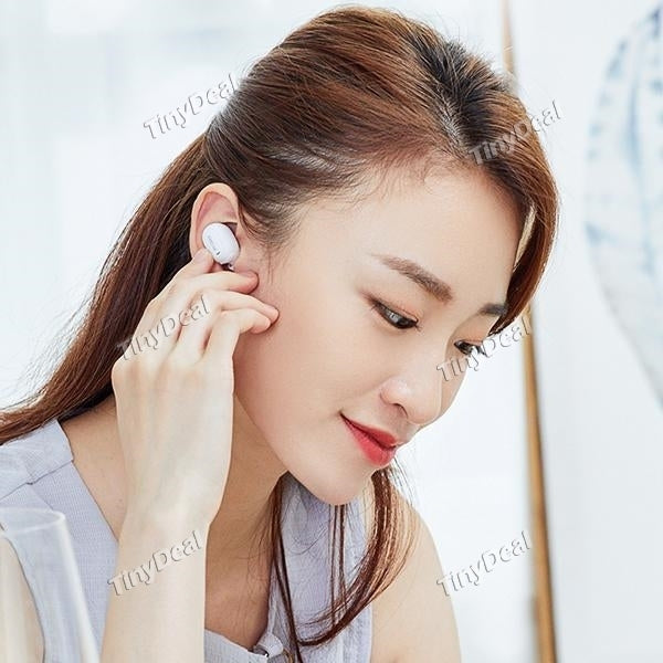 QCY Mini2 Single Wireless Bluetooth Headset in-Ear Earphones Earbuds w/Mic (Black) - TUZZUT Qatar Online Store