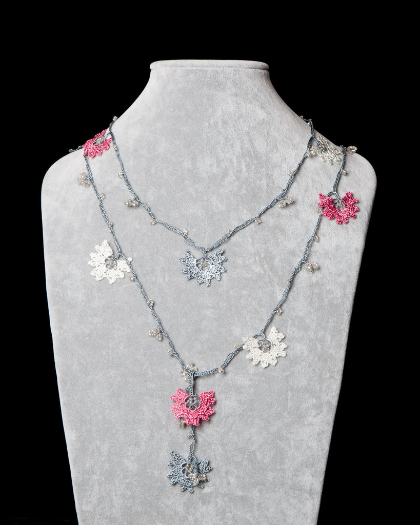 Lariat with Daffodil Motif - Pink, White and Gray