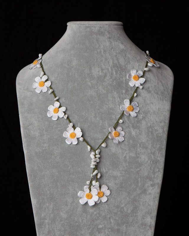 Crocheted Necklace with Daisy Motif - Yellow & White
