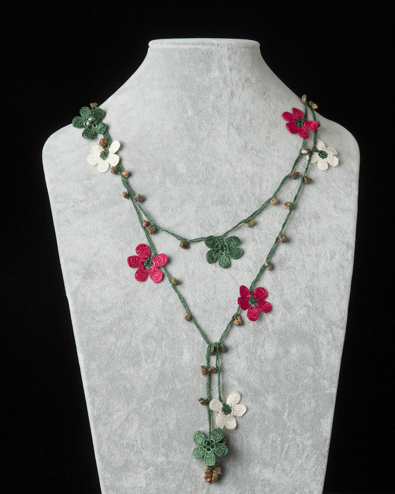 Lariat with Clover Motif - Green, Fuschia & Cream