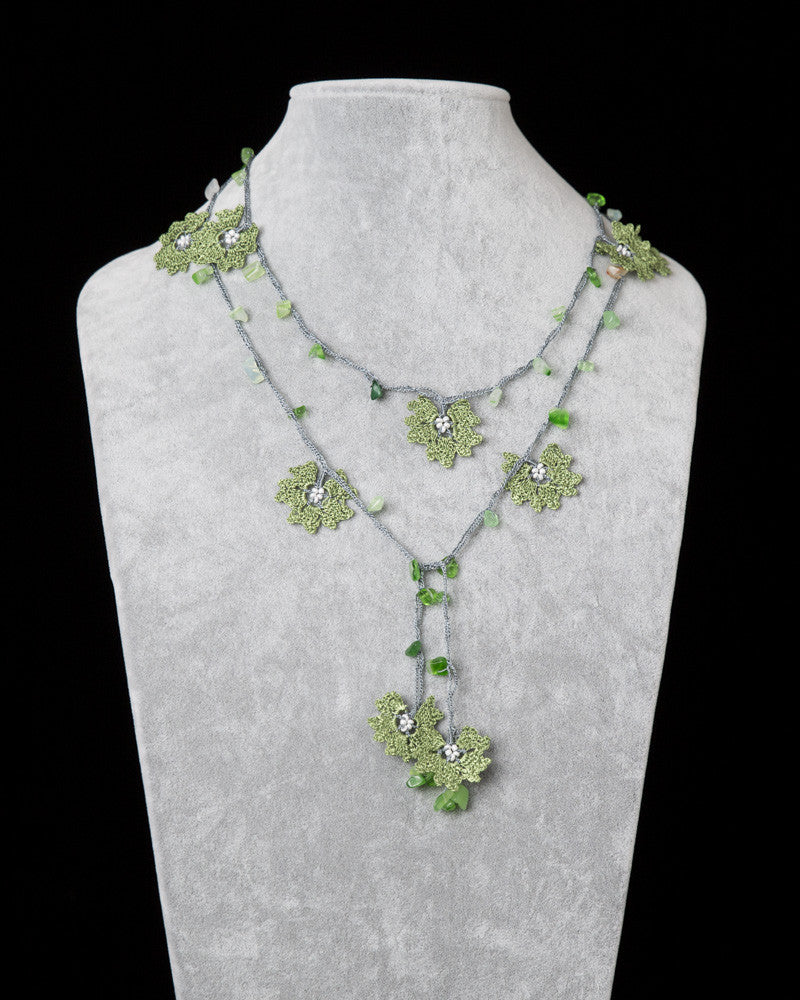 Lariat with Daffodil Motif - Green