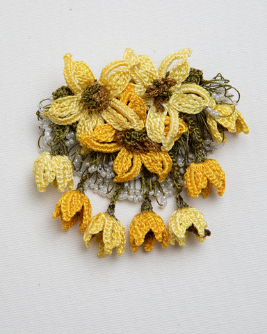 Brooch Star - Yellow & Gold