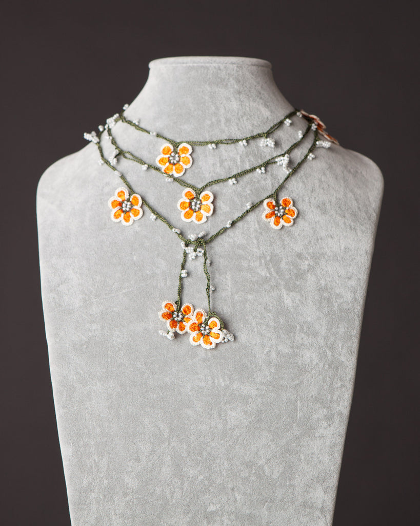 Lariat with Petunia Motif - Orange and White
