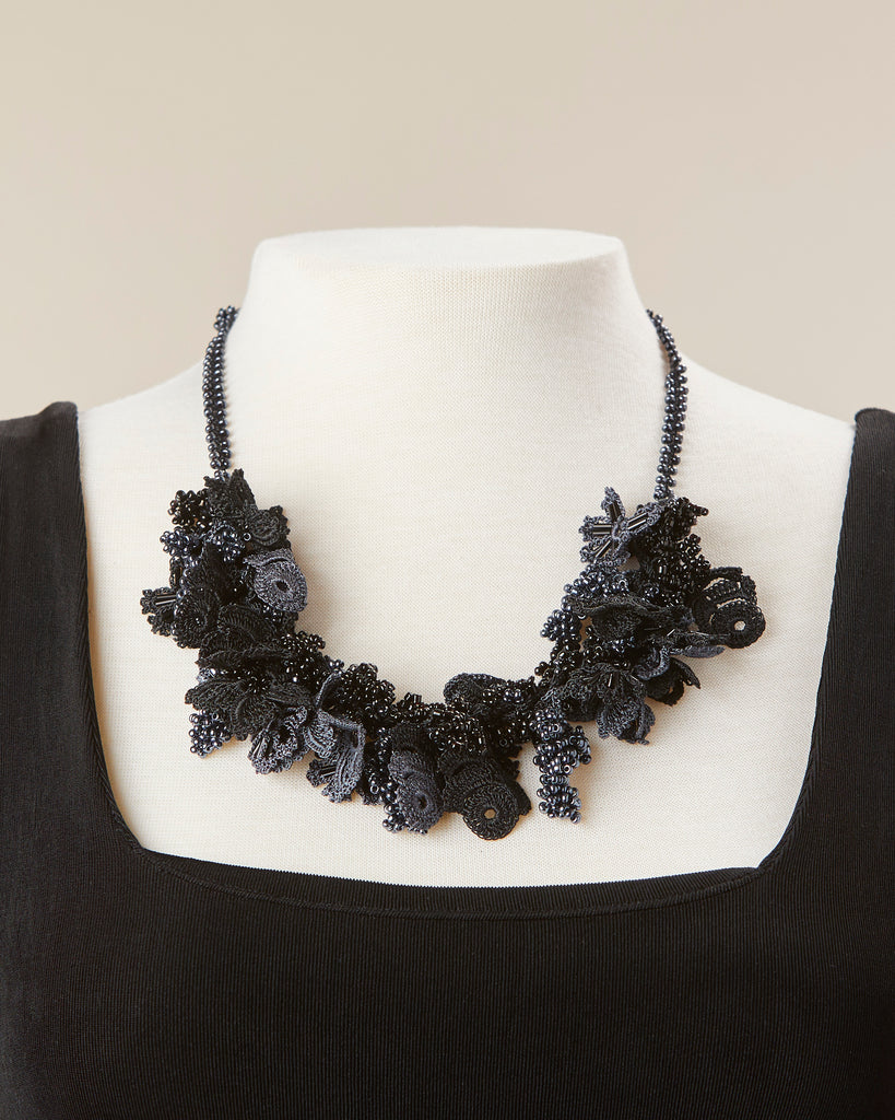 Bouquet Choker - Black