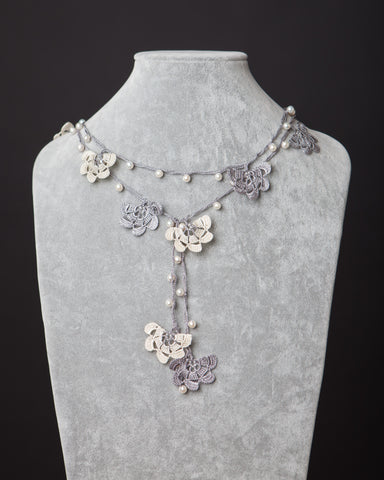 Pearl Lariat with Fan Motif - Beige and Silver