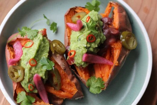 Baked sweet potato with veggie fillings