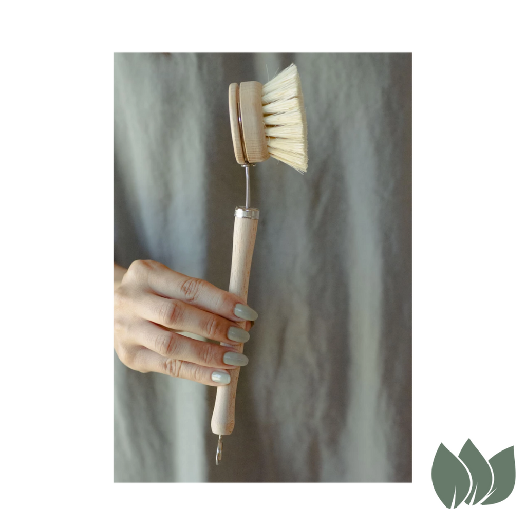 White Teakwood & Agave Fibre Dish Brush by No Tox Life