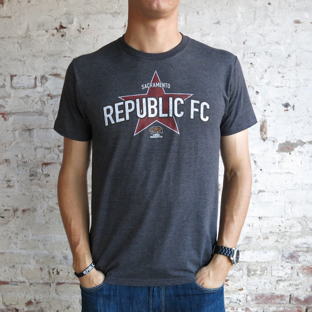Men's Distressed Republic FC Tee in Charcoal Heather
