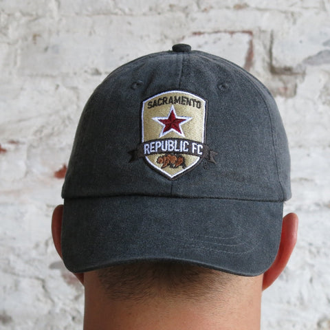 Pigment Dyed Cap with Crest