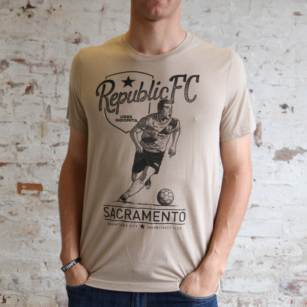 Men's Vintage Player Tee in Heather Tan