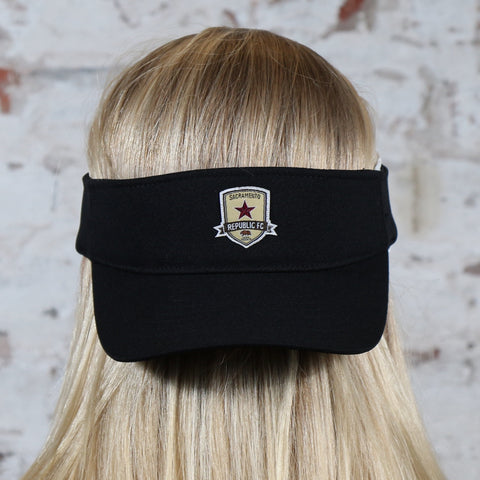Subtle Crest Visor in Black