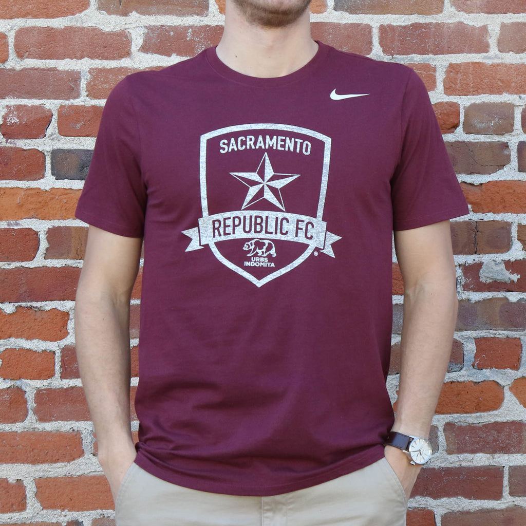 Men's Nike Core Cotton SS Tee in Dark Maroon