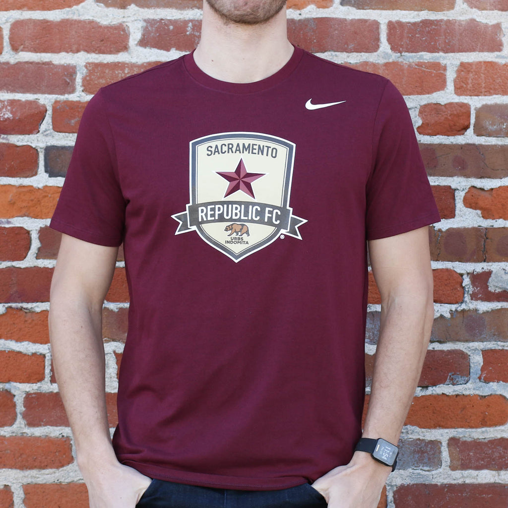 Men's Nike Dri-FIT Cotton SS Tee in Dark Maroon