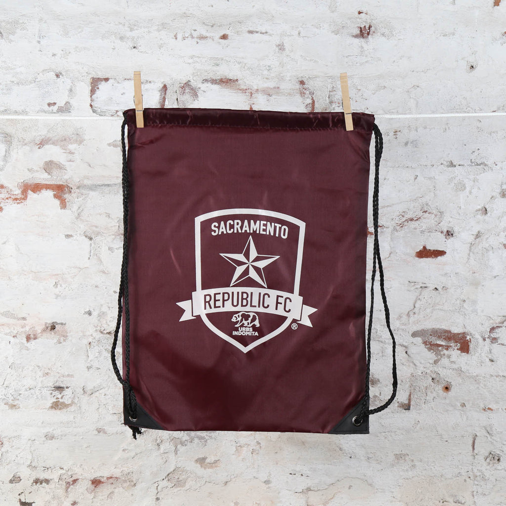 Cinch Up Sports Pack in Burgundy