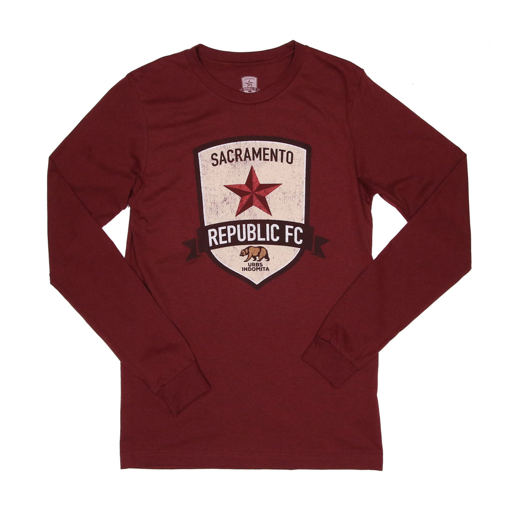 Men's Distressed Crest LS Tee in Heather Cardinal