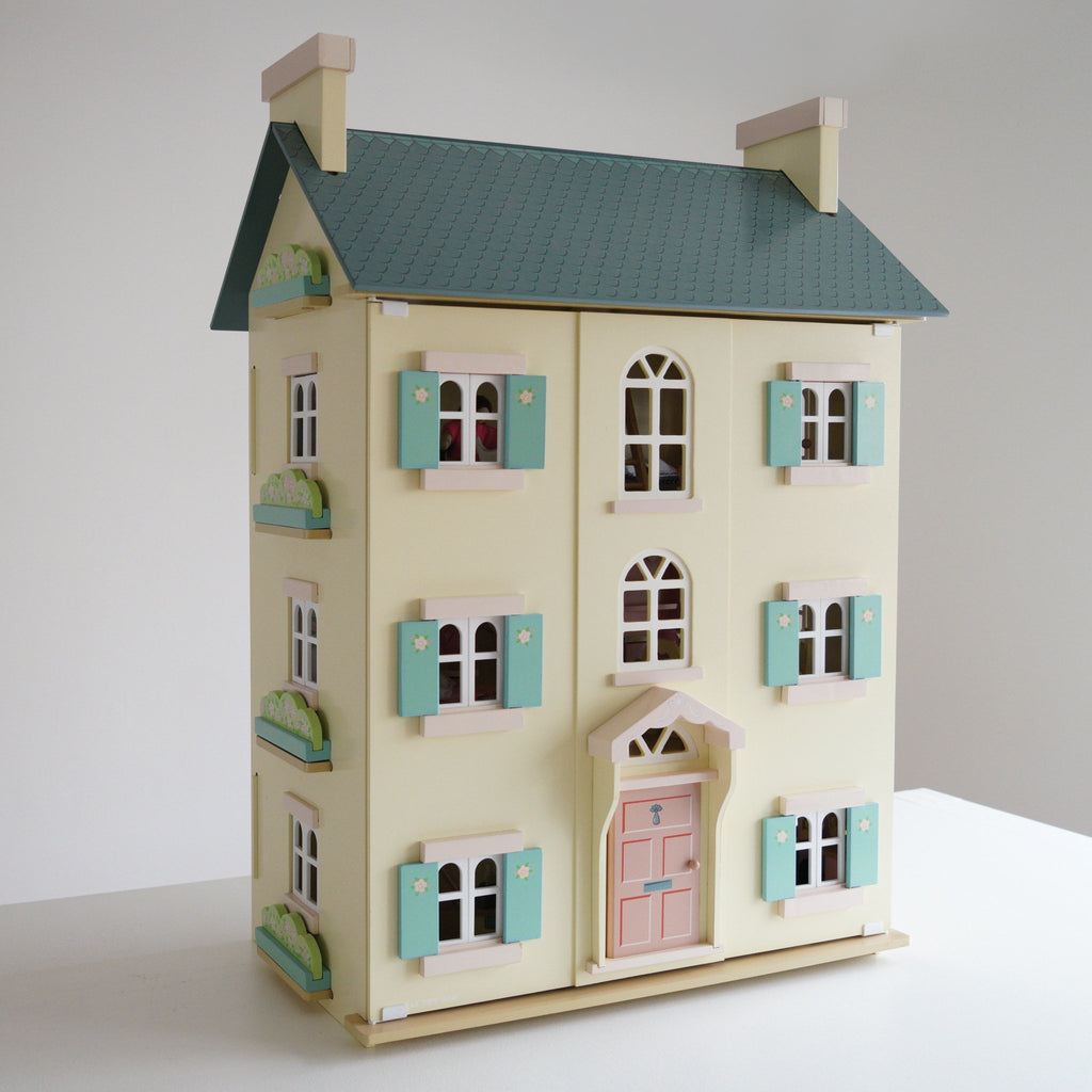 Cherry Tree Hall Doll House by Le Toy Van