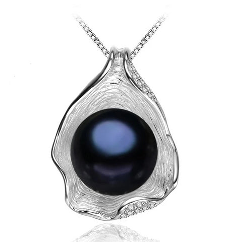 'Pearl in a Shell' - 925 Sterling Silver Necklace