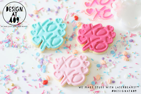 Limited Edition! Stamp & Cutter - XOXO Hearts