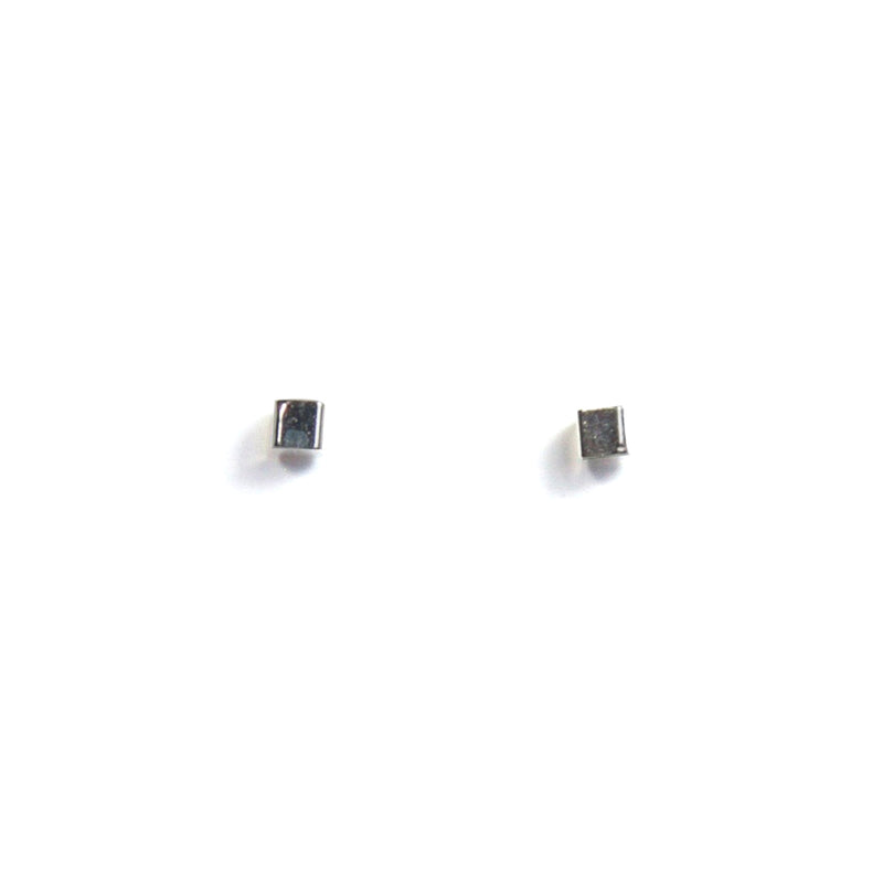 Medium Cube Earring - Silver