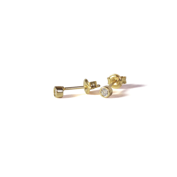 One CZ stud Earrings with posts in - Yellow Gold