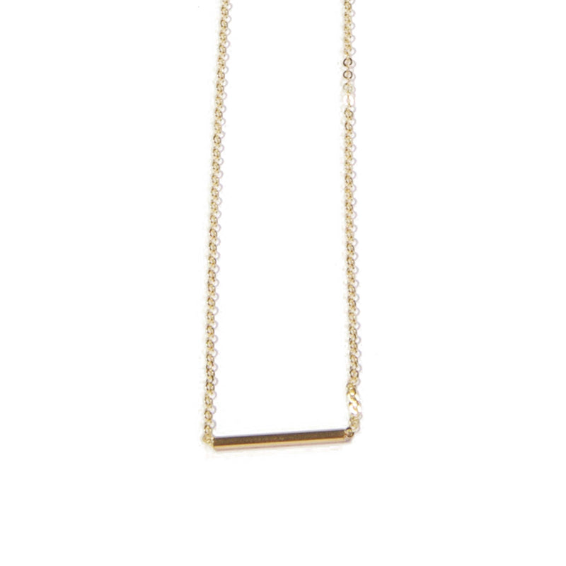 Gold Short Bar Necklace Close Up