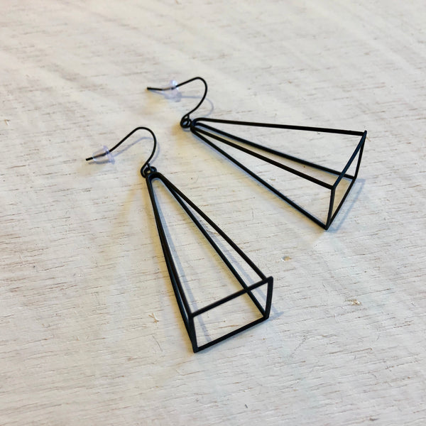 3-Dimensional Triangle Earrings | Matte Black