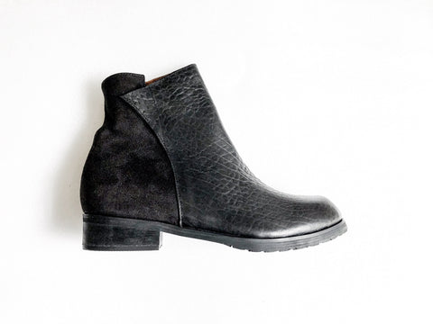 MECCA ANKLE BOOTS