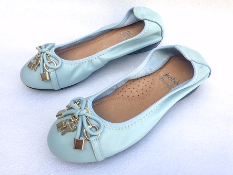 BUTTERSOFT LOCKIT BALLET FLATS