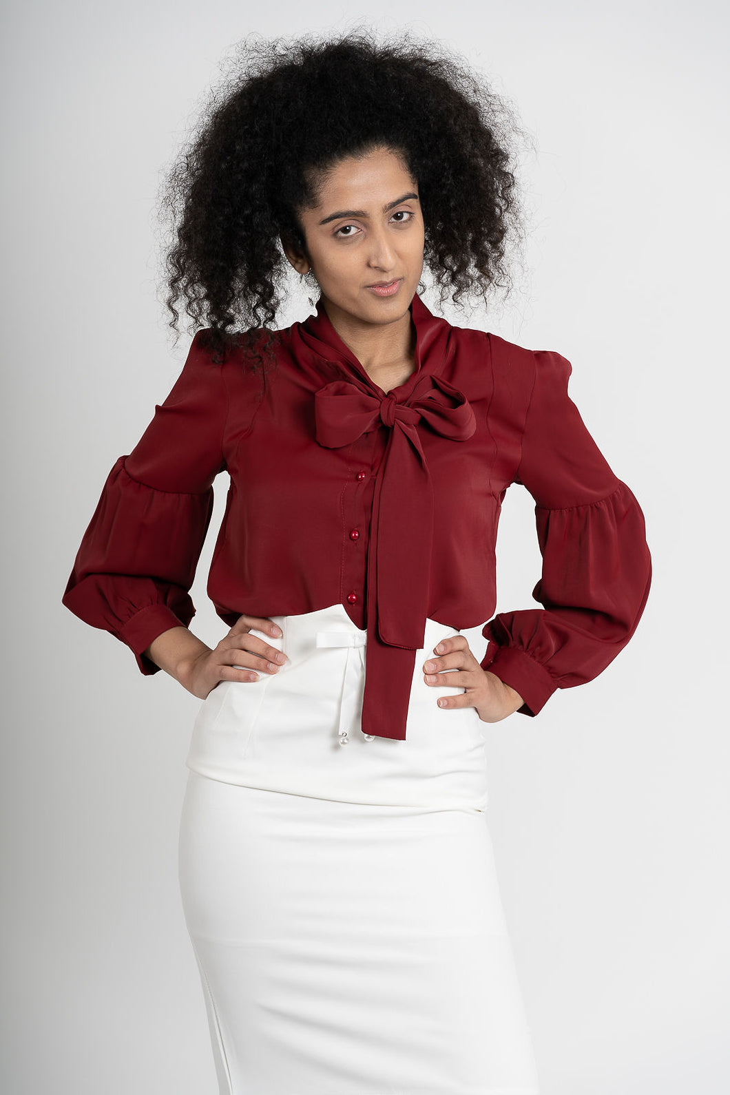 Aftopepoíthisi Red Ribbon Bow Blouse